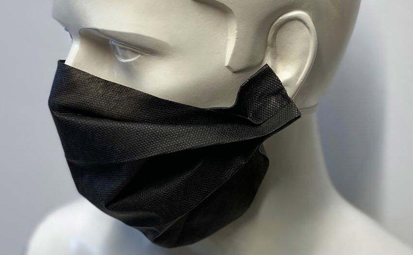 Corona-Krise - Produktion von Einwegmasken