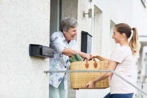 Teamgeist für Menschen mit Demenz zeigen