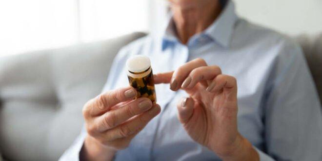 Altersbeschwerden - an rezeptfreie Arzneien denken
