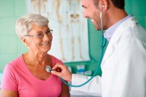 Herzklappenschwäche - auf die Symptome achten