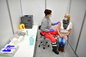 Johanniter unterstützen Impfzentren